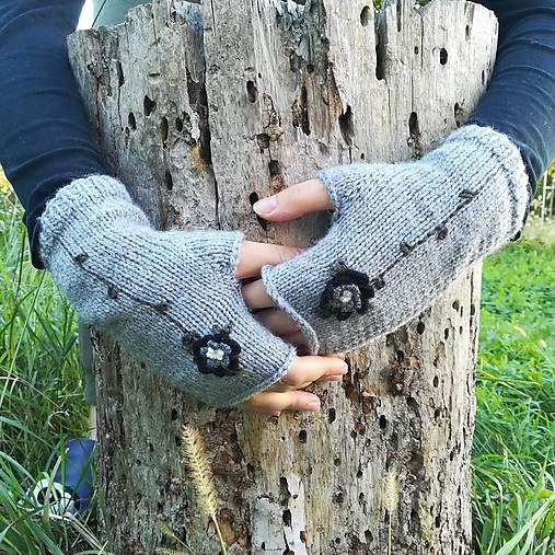 rukavičky sivé