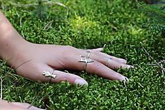 Prstene - strieborný prsteň CUTE WILDNESS - vtáčik na konári - 9922809_