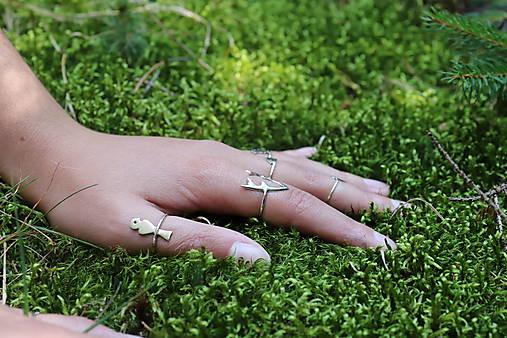 strieborný prsteň CUTE WILDNESS - vtáčik na konári