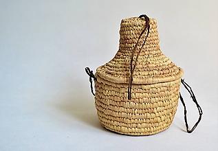 Krabičky - Pletený palmový košík zdobený kožou s vekom - 9926972_