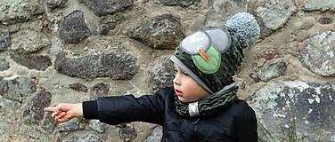 Detské čiapky - Tmavo zelený set so sivým paroháčom a brmbolcom - 9928476_