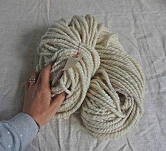 Materiál ručne robený - Chunky lokálna vlnená priadza - 9927030_