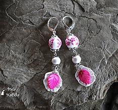Náušnice - Keramické náušnice, ružové, lístky, striebro - 9928565_