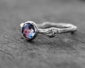 Prstene - Vetvičkový s alexandritom, zlatý - 9931017_