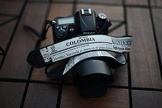 Nezaradené - popruh na fotoaparát novinový vzor - 9929885_