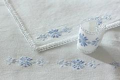 Úžitkový textil - Ľadové ostrie - folk vyšívané prestieranie - 9931271_