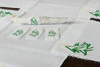 Úžitkový textil - Zasnežené údolie - vyšívané prestieranie - 9931273_