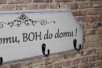 Nábytok - Vešiak shabby chic - Hosť do domu BOH do domu (šírka 60 cm) - 9933929_