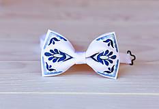 Doplnky - Pánsky vyšívaný motýlik v rôznych farbách - 9934055_