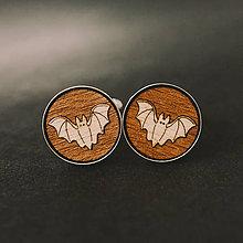 Šperky - netopiere ~ manžetové gombíky v lôžku (natur/drevená) - 9933804_