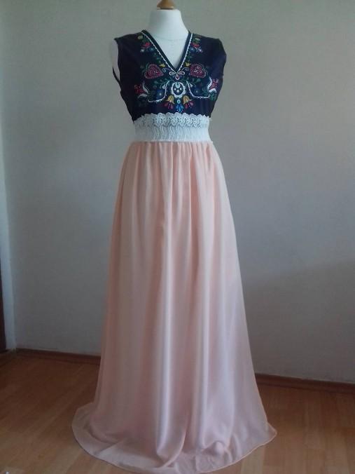 Plesové folklórne maľované šaty