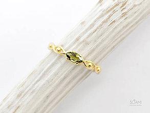 Prstene - 14k zlatý prsteň s krásnym vltavínom - 9937689_
