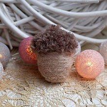 Dekorácie - Vianočný žaluď - 9937397_