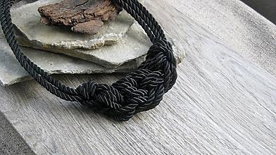 Náhrdelníky - Uzlový náhrdelník z troch šnúr (dymovo čierny č. 2380) - 9937032_