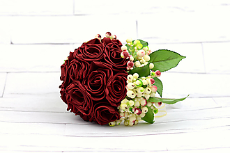 Kytice pre nevestu - Saténová kytica svadobná bordová ruže a listy - 9936387_