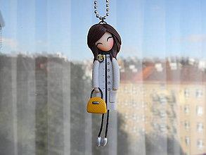 Na mobil - Panenka na kabelku...přívěsek na přání - 9935656_
