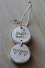 Dekorácie - Závesný nápis SMILE MORE - 9940627_