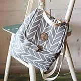 -  Mini batôžtek šedý