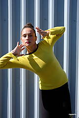 Svetre/Pulóvre - DOLY-pulover s linkou ve výstřihu - 9938737_