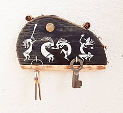 Dekorácie - Kokopelli (obrázok maľovaný na dreve; vešiak) - 9942421_
