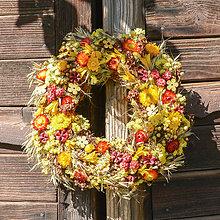 Dekorácie - Jesenný prírodný venček na dvere - 9945197_