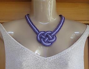 Náhrdelníky - Uzlový náhrdelník hrubý z troch šnúr 5mm (fialový č. 2386) - 9944677_