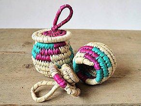 Krabičky - Ekologický Mini šperkovnica z palmových listov - červená a zelená - 9947036_