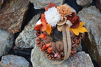 Dekorácie - Prírodný smútočný jesenný venček - 9948482_