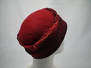 Čiapky - Plstená dámska čiapka červená ako čerešňa - 9952856_