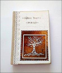 Papiernictvo - Ručne šitý diár * zápisník * sketchbook s autorskou kresbou stromu A5 - 9950982_