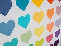 Úžitkový textil - Detská patchwork deka Pestré srdiečka - 9954589_