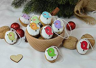 Dekorácie - Vianočné orechy biele s vtáčikmi - 9955014_