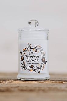 Svietidlá a sviečky - Sviečka zo sójového vosku v skle - Vianočný Stromček - 9955867_