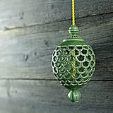 Dekorácie - Ozdoba šiška zelená - 9957048_