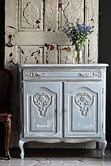 Nábytok - Patinovaná skrinka Paris grey - Predaná :) - 9958387_