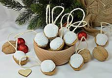 Dekorácie - Vianočné orechy biele z madeiry - 9958451_