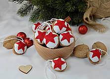 - Vianočné orechy s červenou hviezdičkou - 9958551_