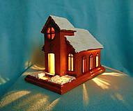 Dekorácie - Drevený kostolík s osvetlením - 9959880_