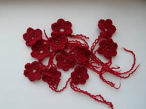 Materiál ručne robený - tmavočervené kvietky - 9961100_