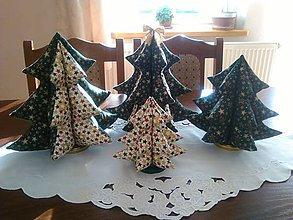 Materiál ručne robený - Vianočné stromčeky. - 9962094_