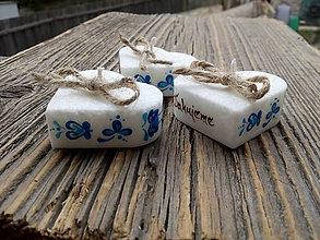 Darčeky pre svadobčanov - srdiečko folklór s kartičkou/modrý ornament - 9962260_