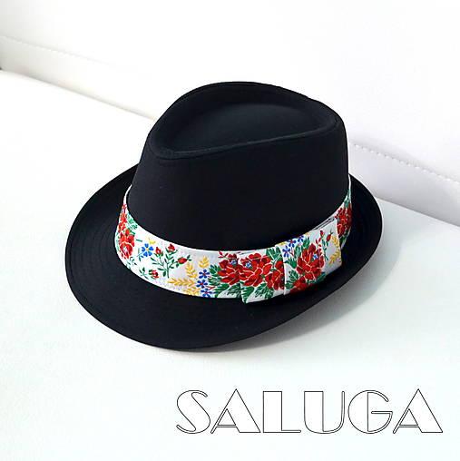 70bf13eb7 Folklórny klobúk - čierny - ľudový - biela stuha / SALUGA - SAShE.sk ...