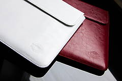 Na notebook - PUZDRO WHISKEY AROMA BIELE - 9969553_