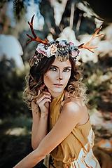 Ozdoby do vlasov - Romantická kvetinová čelenka s parožkami Halloween - 9968070_
