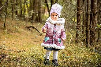 Detské oblečenie - Ombré hrubý háčkovaný svetrík so srdiečkami - 9970425_