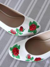 Obuv - svadobné lodičky s ružami - 9971926_