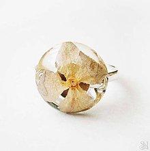 Prstene - Handmade živicový kruhový prsteň s hortenziou - 9973483_