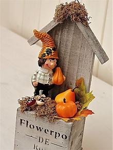Dekorácie - Jesenná dekorácia (v drevenom domčeku) - 9971326_
