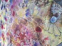 Šatky - Voňavá jeseň- hodvábna maľovaná šatka s kvetmi a makovicami - 9974085_