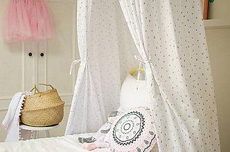 Textil - Bielo zlatý baldachýn  (srdiečka) - 9974644_
